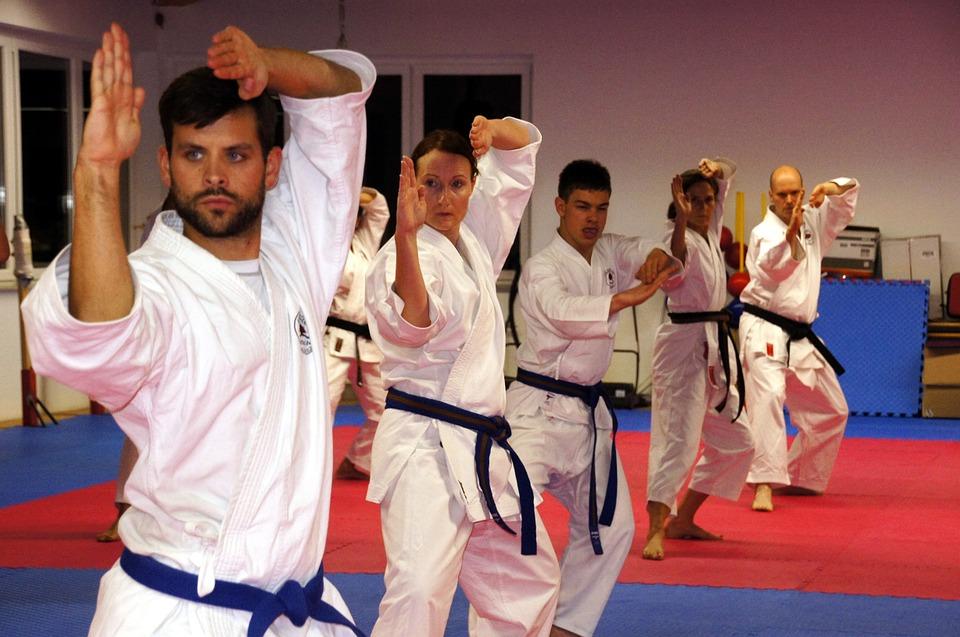 Karate en adultos - Gimnasio Bonafau en Pamplona